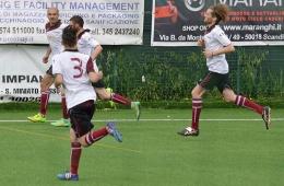 DSC_0083_Il gol della Castelnuovese-Angelotti festeggiato dai compagni